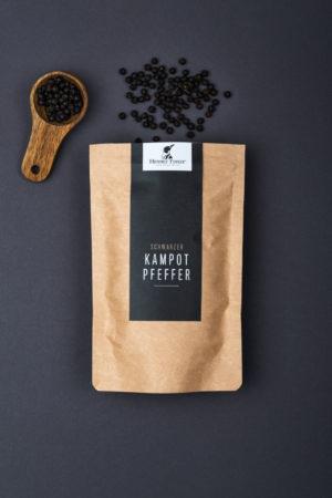 Schwarzer Kampot Pfeffer Produktbild offen Hennes Finest