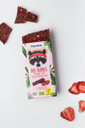 Raccoon Proteinschokolade Schokolade geschlossen Red Berries offen Vegan Protein Produktbild