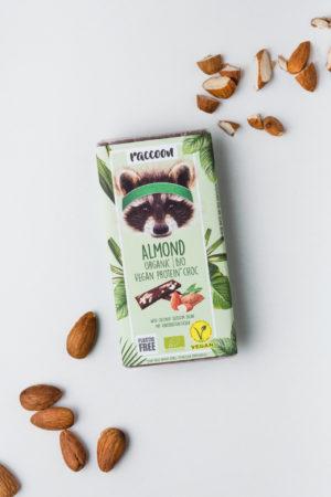 Raccoon Proteinschokolade Schokolade geschlossen Almond Mandeln Vegan Protein Produktbild
