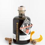 Eine Flasche Kräuterlikör