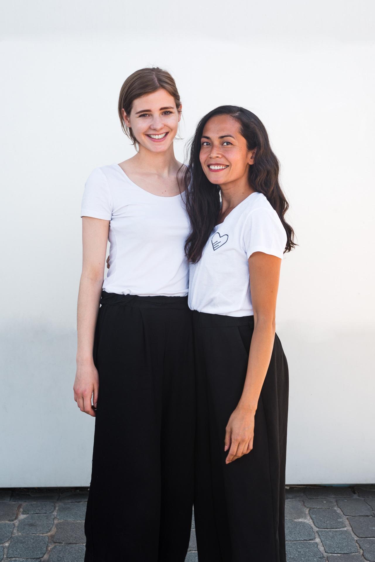 Lea und Tamara Bringsl zusammen über uns