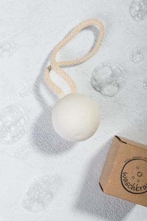 Natürlich festes Shampoo pur Shampookugel von Waschkram Produktfoto geöffnet