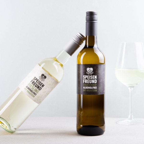 Speisenfreund Weinflaschen Riesling Chardonnay Alkoholfrei Flaschen und Glas